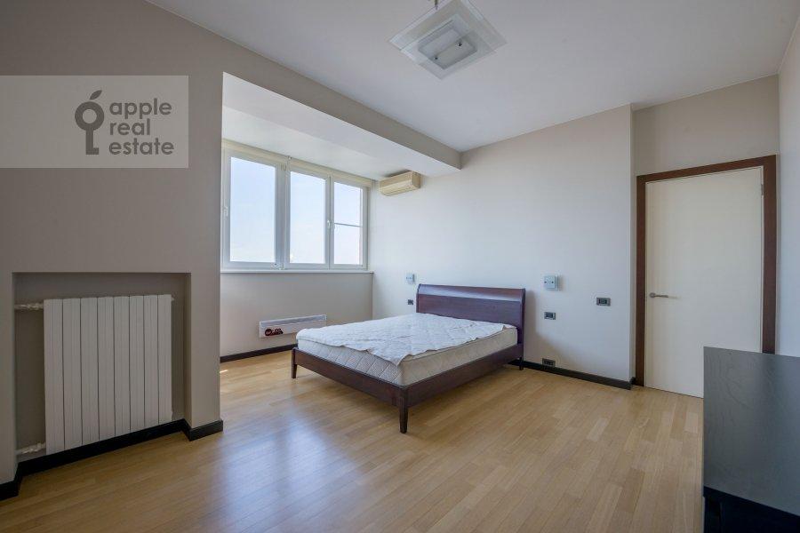 Bedroom of the 3-room apartment at Molodogvardeyskaya ulitsa 2k3
