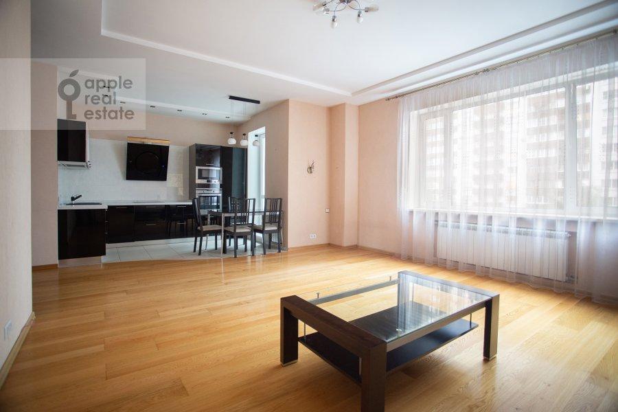 Гостиная в 3-комнатной квартире по адресу Веерная ул. 30К6
