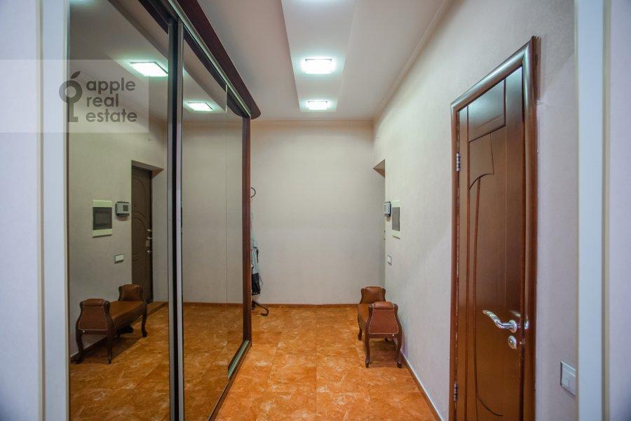 Коридор в 3-комнатной квартире по адресу Веерная ул. 30К6