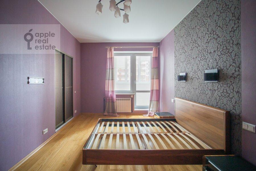 Спальня в 3-комнатной квартире по адресу Веерная ул. 30К6