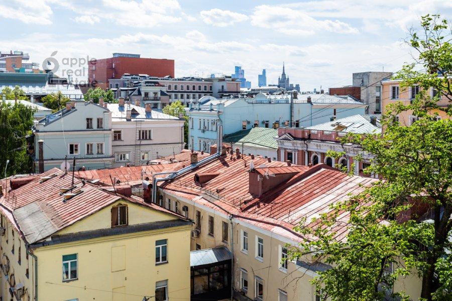 Вид из окна в 3-комнатной квартире по адресу Тверская ул. 15