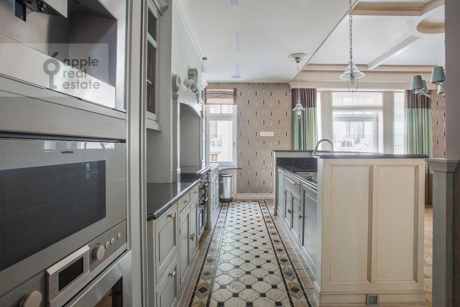 Kitchen of the 3-room apartment at Sechenovskiy per. 3
