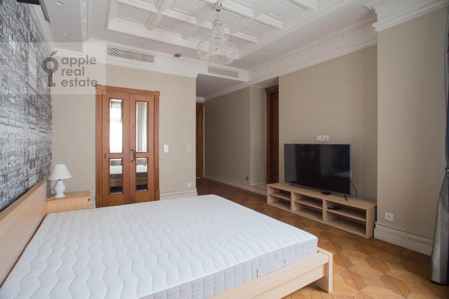 Спальня в 3-комнатной квартире по адресу Сеченовский пер. 3