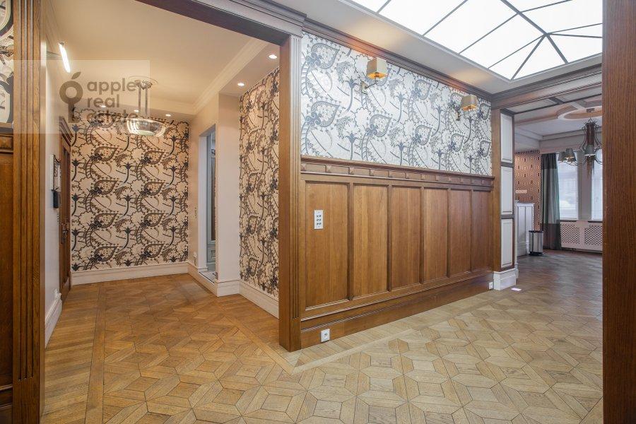 Коридор в 3-комнатной квартире по адресу Сеченовский пер. 3