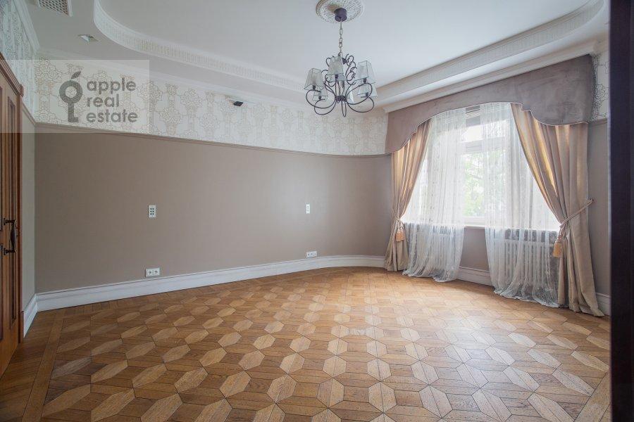 Детская комната / Кабинет в 3-комнатной квартире по адресу Сеченовский пер. 3