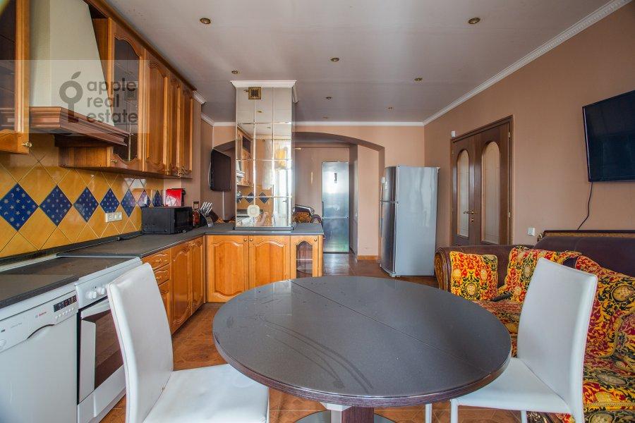 Kitchen of the 4-room apartment at Zoologicheskaya ulitsa 26s1