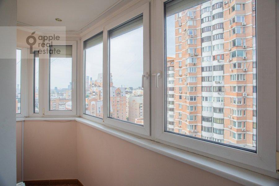Balcony / Terrace / Loggia of the 4-room apartment at Zoologicheskaya ulitsa 26s1