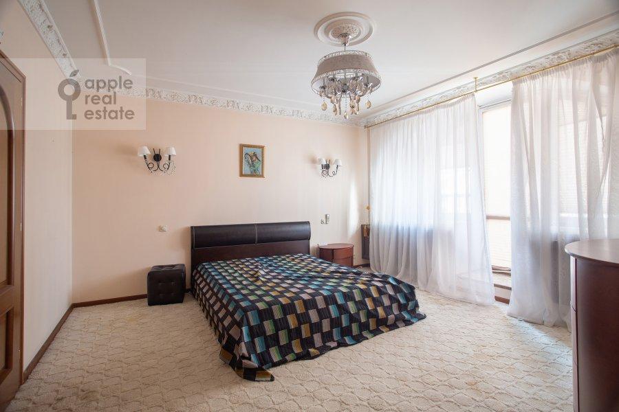 Bedroom of the 4-room apartment at Zoologicheskaya ulitsa 26s1
