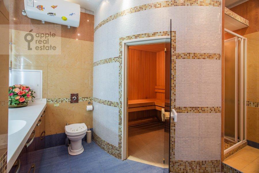 Bathroom of the 4-room apartment at Leninskiy prosp. 98k1