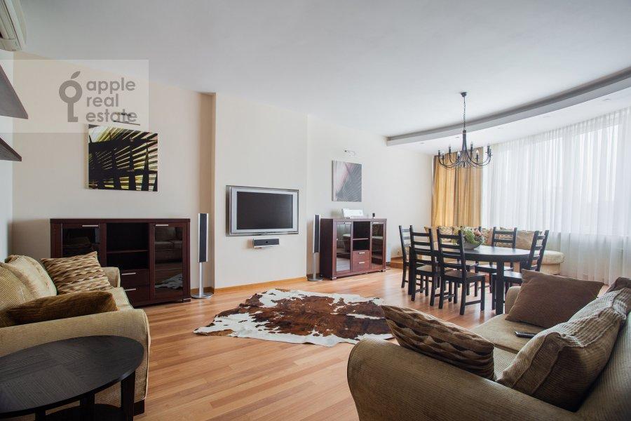 Living room of the 4-room apartment at Leninskiy prosp. 98k1