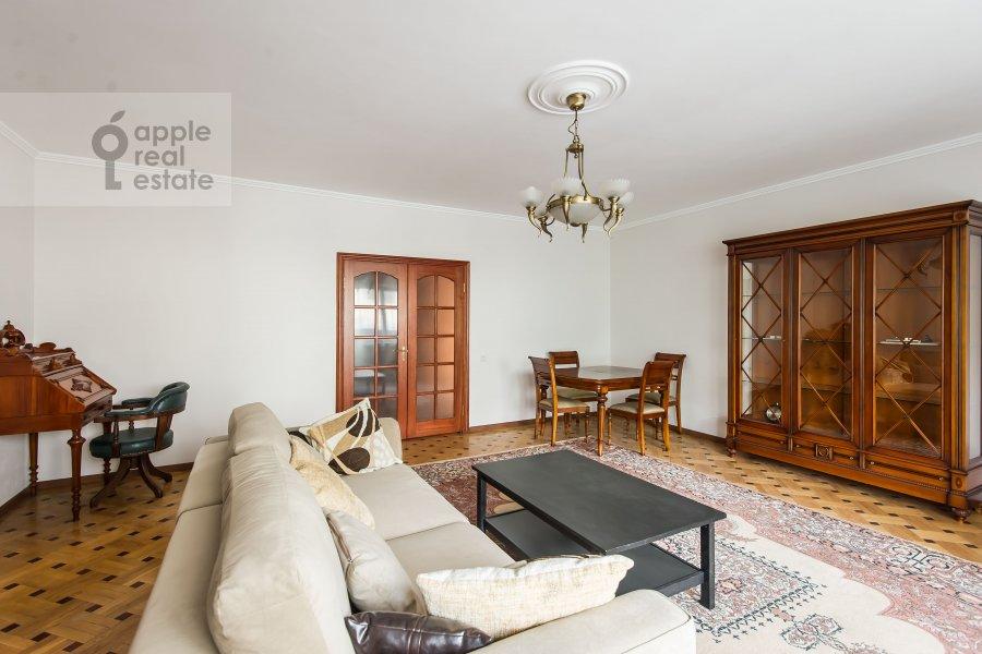 Living room of the 3-room apartment at Tverskaya-Yamskaya 2-ya ul. 26