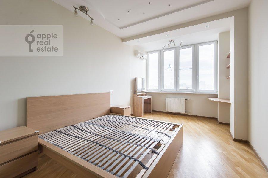 Спальня в 3-комнатной квартире по адресу Лобачевского ул. 92к4