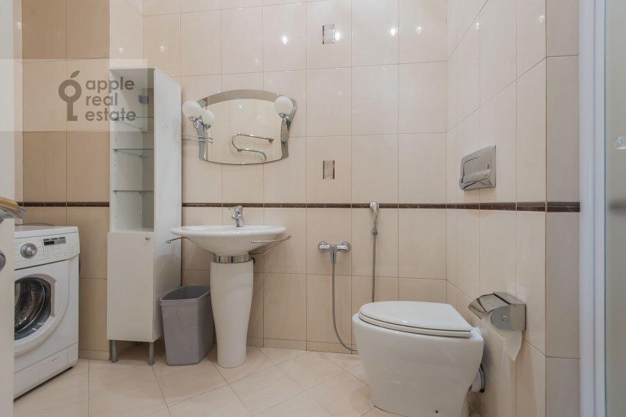 Санузел в 3-комнатной квартире по адресу Шаболовка 23к4