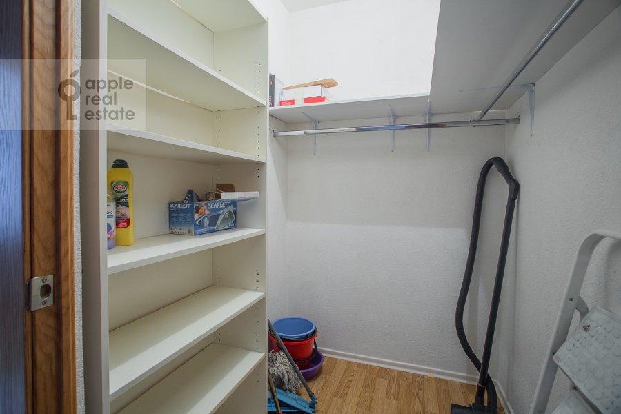 Walk-in closet / Laundry room / Storage room of the 4-room apartment at Sergeya Makeeva 1