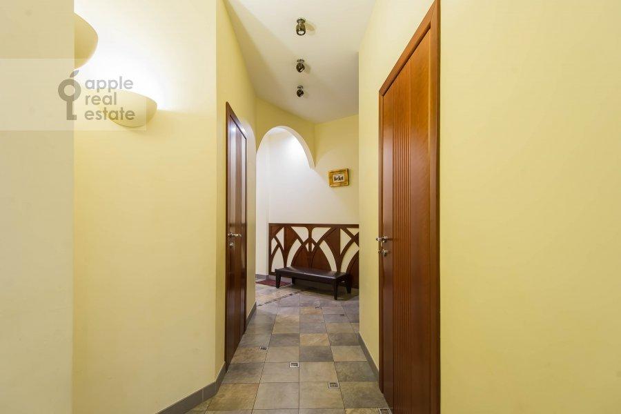 Corridor of the 4-room apartment at Neopalimovskiy 1-y per. 8