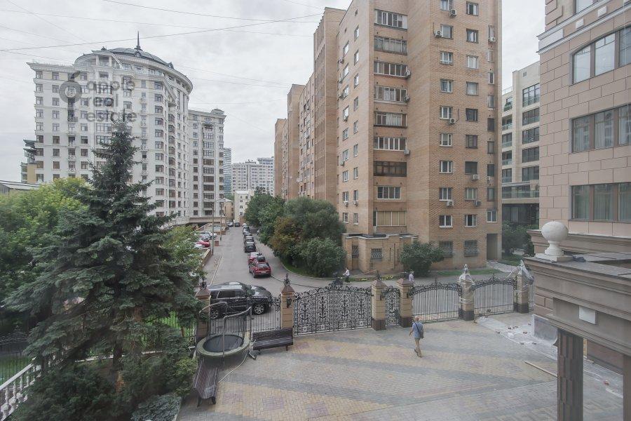Вид из окна в 3-комнатной квартире по адресу 1-й Смоленский переулок 17