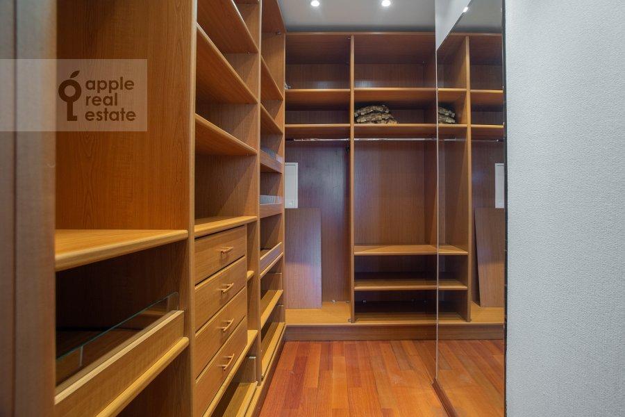 Walk-in closet / Laundry room / Storage room of the 2-room apartment at Smolenskiy 1-y per. 17