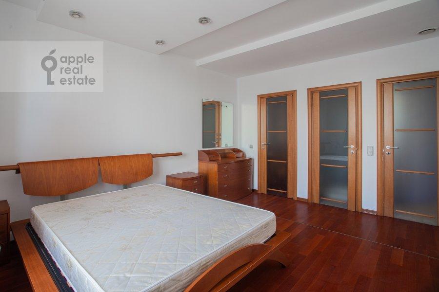 Bedroom of the 2-room apartment at Smolenskiy 1-y per. 17