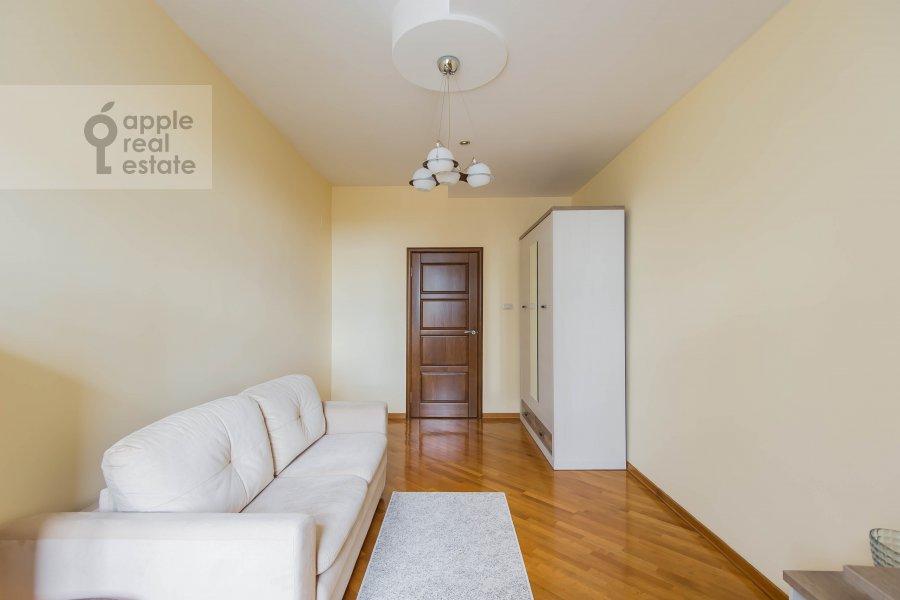 Children's room / Cabinet of the 4-room apartment at Povarskaya ul. 18
