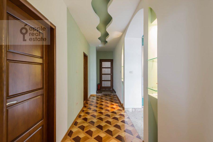 Corridor of the 4-room apartment at Povarskaya ul. 18