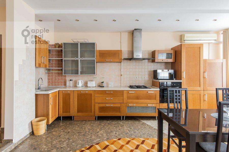 Kitchen of the 4-room apartment at Povarskaya ul. 18