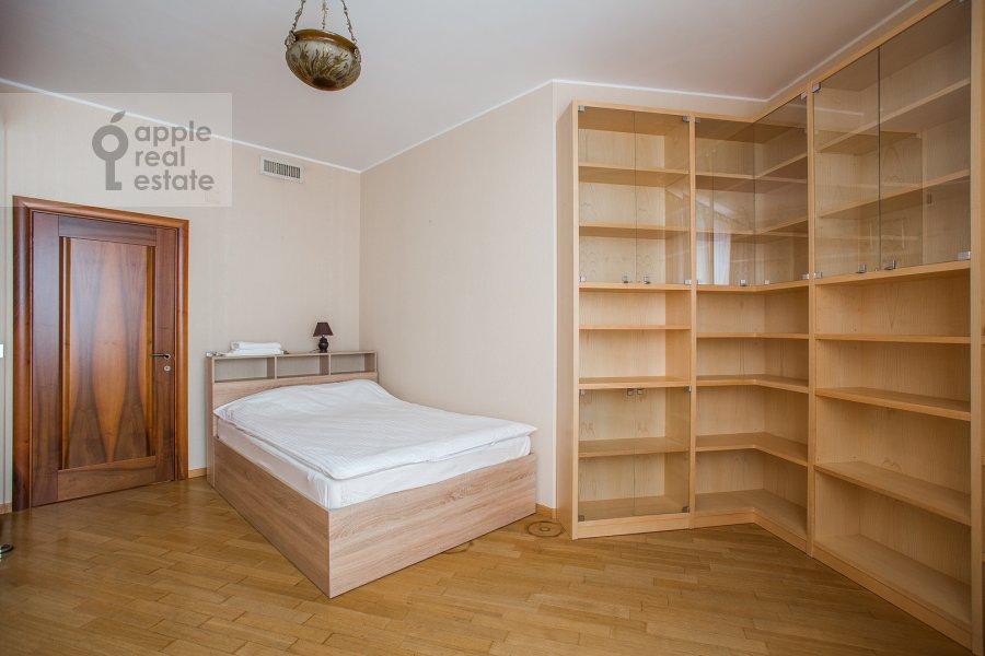Детская комната / Кабинет в 4-комнатной квартире по адресу Плющиха ул. 22