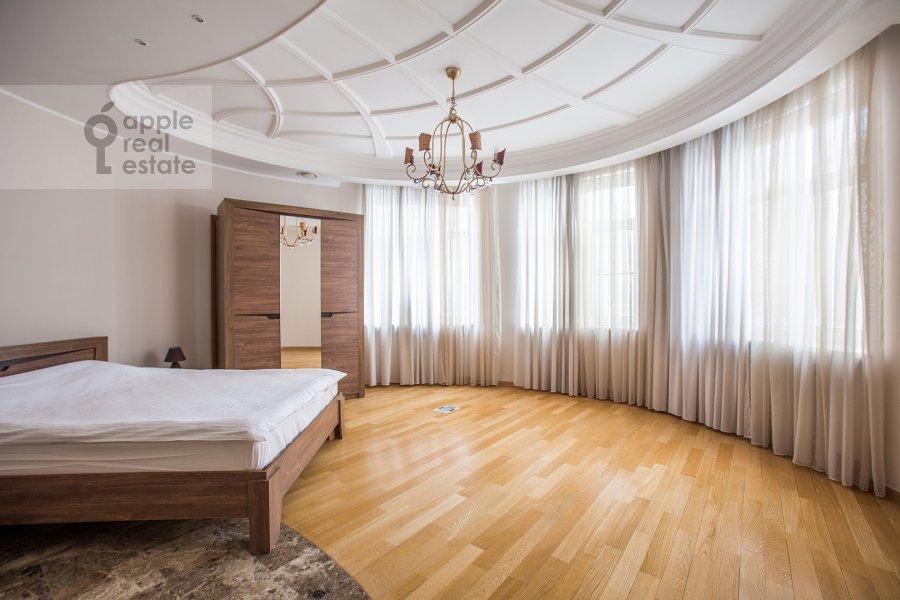 Спальня в 4-комнатной квартире по адресу Плющиха ул. 22