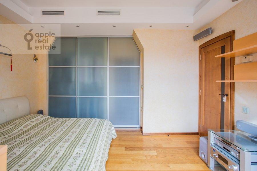Спальня в 5-комнатной квартире по адресу Плющиха 22