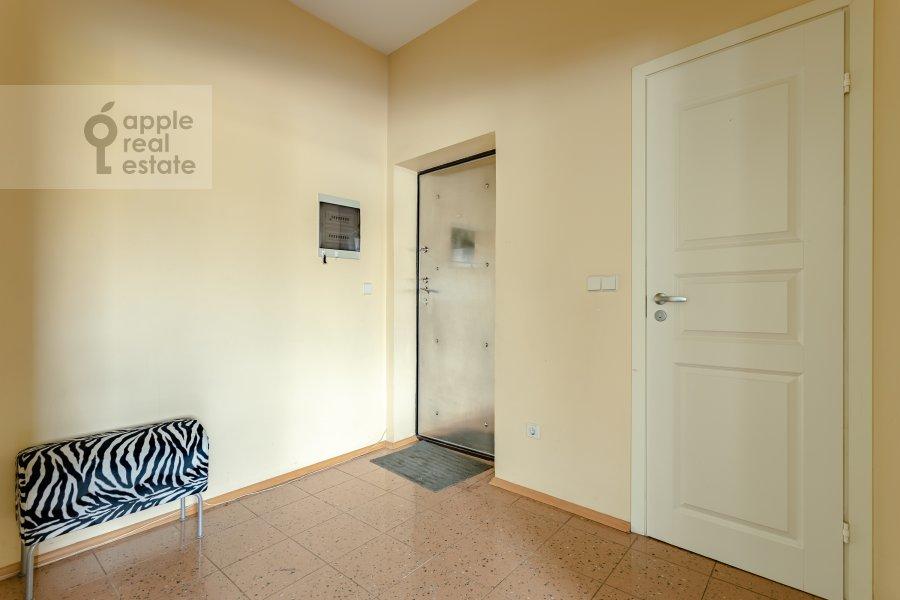 Коридор в 3-комнатной квартире по адресу Пятницкая ул. 62с7