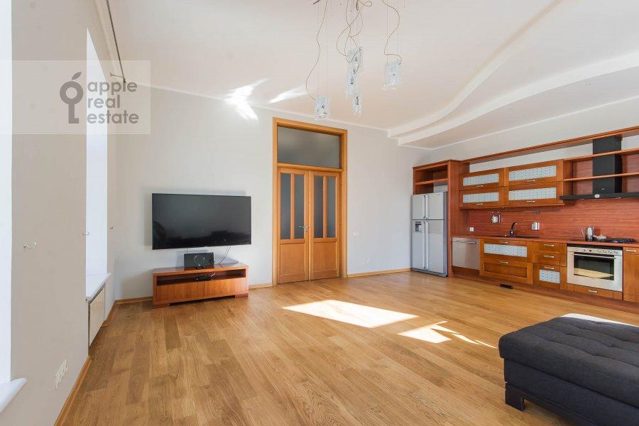 Гостиная в 5-комнатной квартире по адресу Скатертный переулок 15