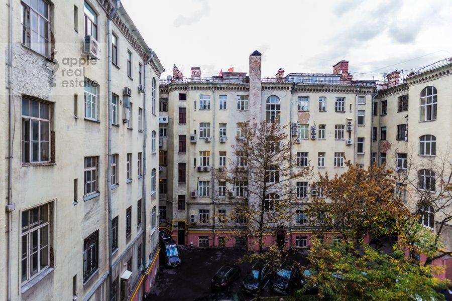 Вид из окна в 5-комнатной квартире по адресу Сретенский бульв. 6/1