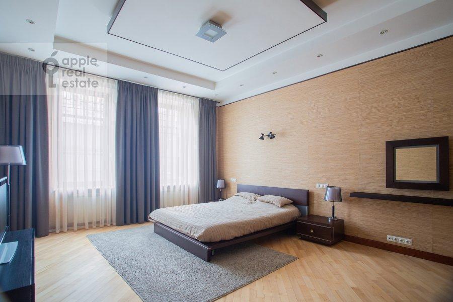 Bedroom of the 4-room apartment at Trubnikovskiy per. 30s1