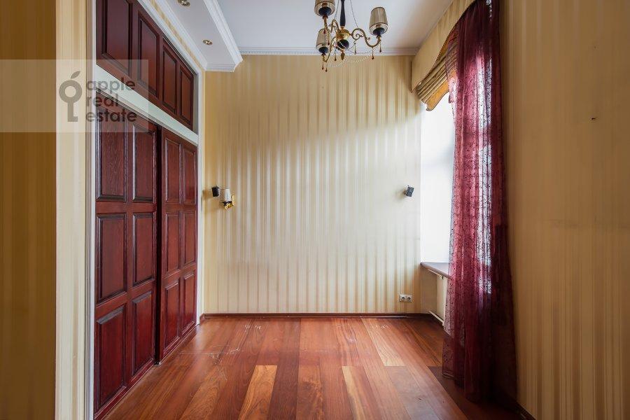 Children's room / Cabinet of the 4-room apartment at Arbat ul. 9s2