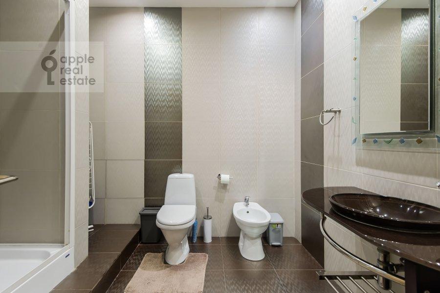 Санузел в 3-комнатной квартире по адресу Дмитровский пер. 7