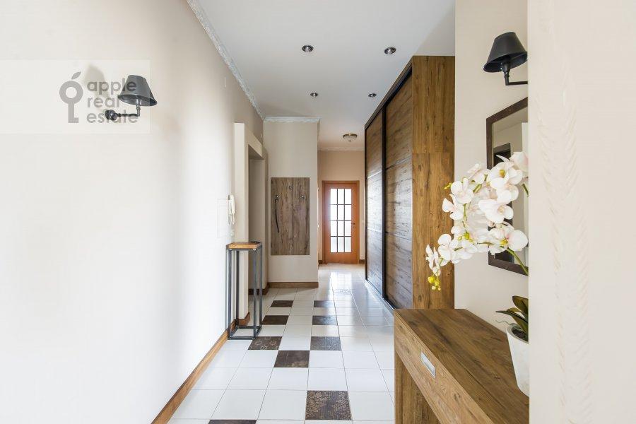 Corridor of the 3-room apartment at Krivoarbatskiy per. 16/22