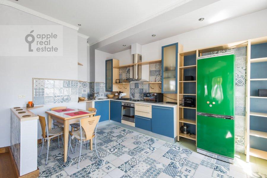 Kitchen of the 3-room apartment at Krivoarbatskiy per. 16/22