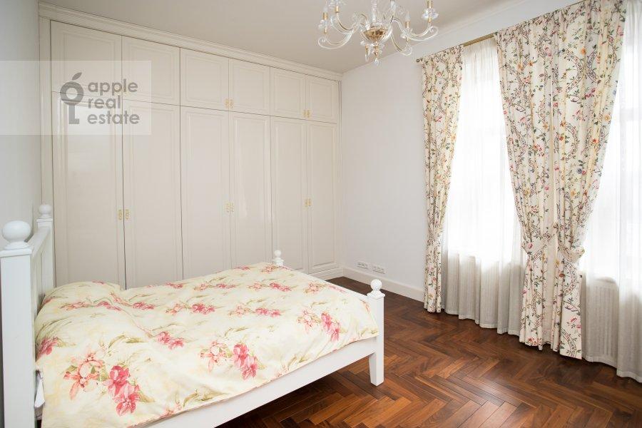 Спальня в 3-комнатной квартире по адресу Лаврушинский пер. 11к1