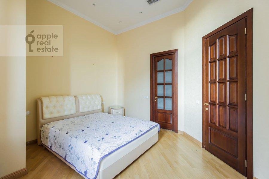 Bedroom of the 4-room apartment at Molchanovka Malaya ul. 8