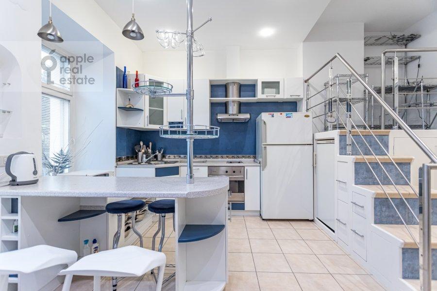 3-room apartment at Daev per. 2