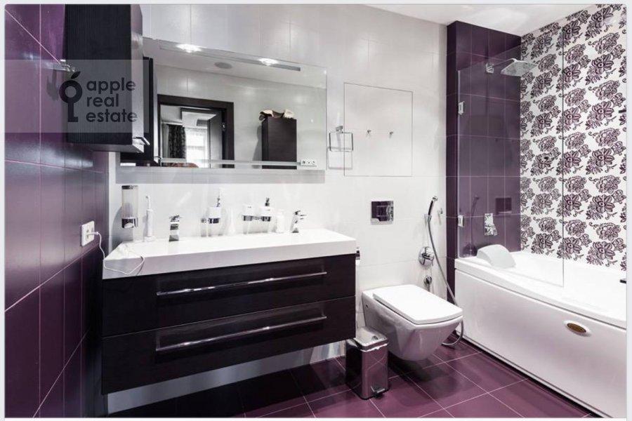 Bathroom of the 3-room apartment at Kozlova ul. 34