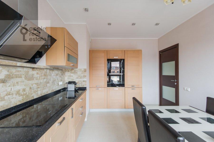 Кухня в 4-комнатной квартире по адресу Кастанаевская ул. 24