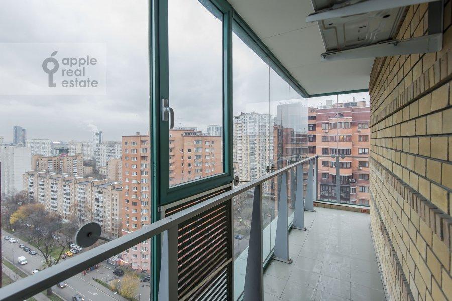 Балкон / Терраса / Лоджия в 4-комнатной квартире по адресу Кастанаевская ул. 24