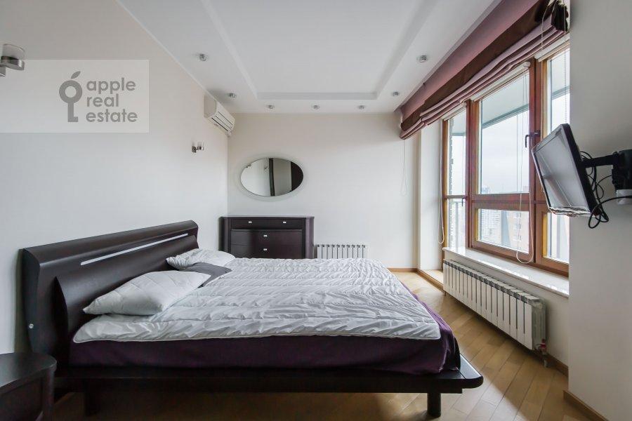 Спальня в 4-комнатной квартире по адресу Кастанаевская ул. 24