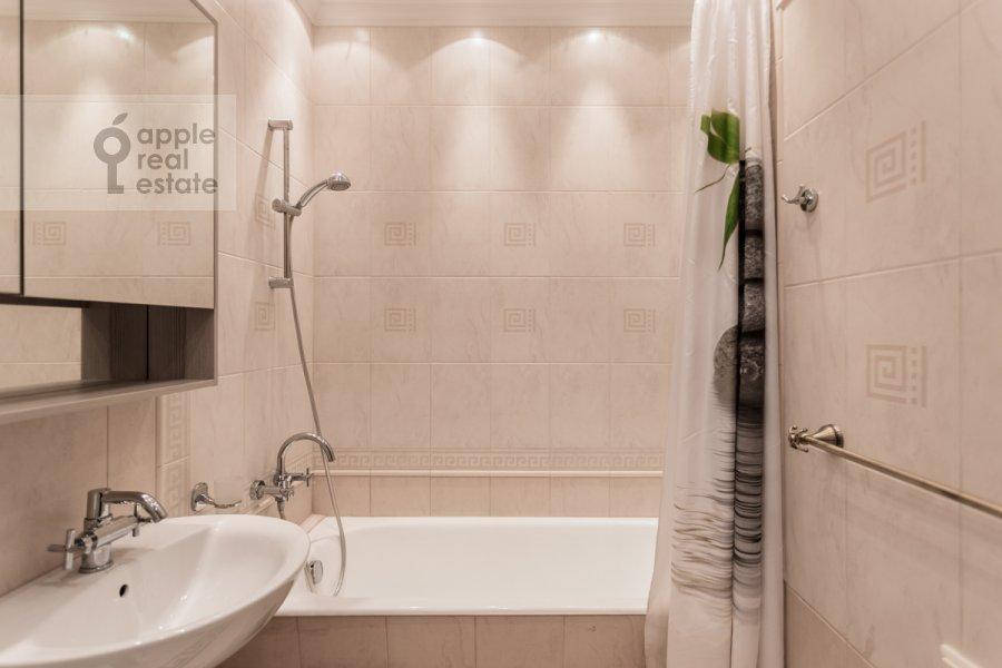 Bathroom of the 3-room apartment at Karetnyy Ryad ul. 5/10