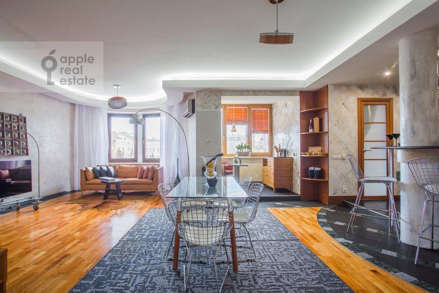 Гостиная в 3-комнатной квартире по адресу Зачатьевский 1-й пер. 6