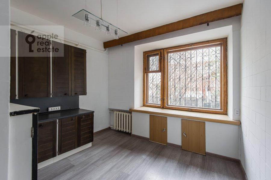 Кухня в 3-комнатной квартире по адресу Сивцев Вражек пер. 9А