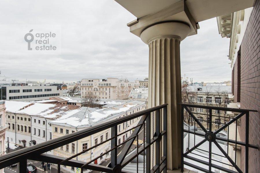 Balcony / Terrace / Loggia of the 4-room apartment at Polyanka Malaya ul. 2