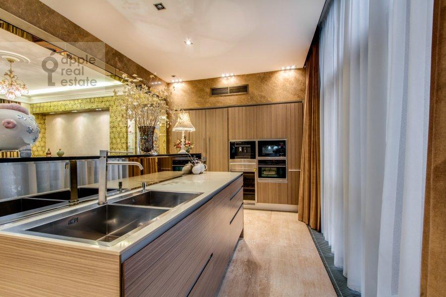 Kitchen of the 3-room apartment at Zhukovka-1 14