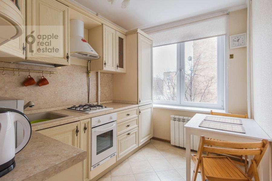 Kitchen of the 2-room apartment at Komsomol'skiy pr-t. 25k3