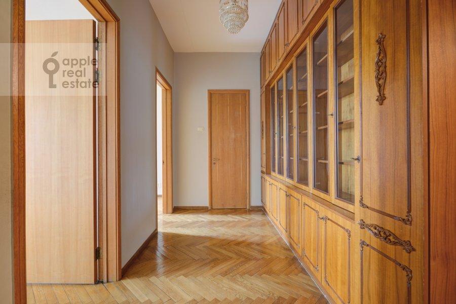 Corridor of the 4-room apartment at Granatnyy per. 10s1
